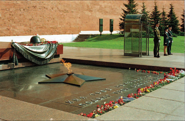 Представители всех конфессий возложат венки к могиле Неизвестного солдата