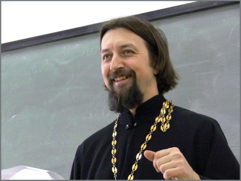 Прот. Максим Козлов взглянул с Востока на христианство