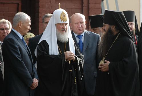 Патриарх Кирилл призвал к зарядке