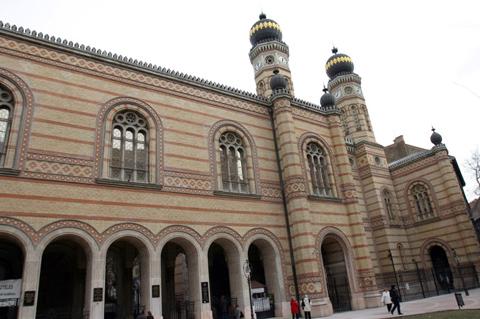 Наибольшая синагога Евразии встретила полуторавековой юбилей