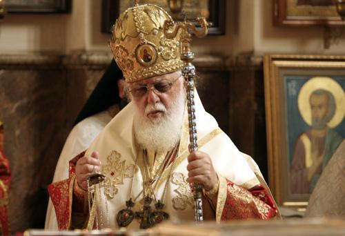 Президент вступился за католикоса Илию ІІ