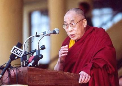 Пекин недоволен поездкой Далай-Ламы в монастырь
