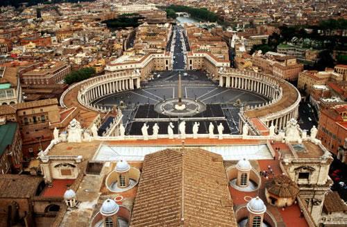 Папа проголосив абсолютний пріоритет церковної влади над світською