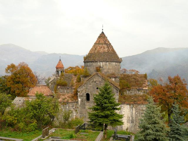 У чужий монастир з нашим уставом. Україна в Сербії