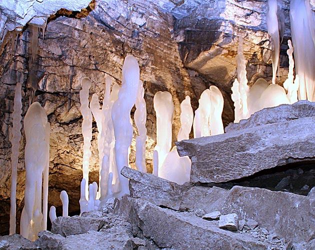 Домик отшельника в Ледяной пещере восстановлен