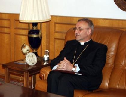 Ватикан: церкви можно продавать /разрушать