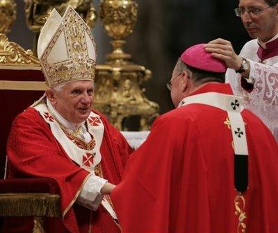 Папа Римский, агнцы и архиепископы