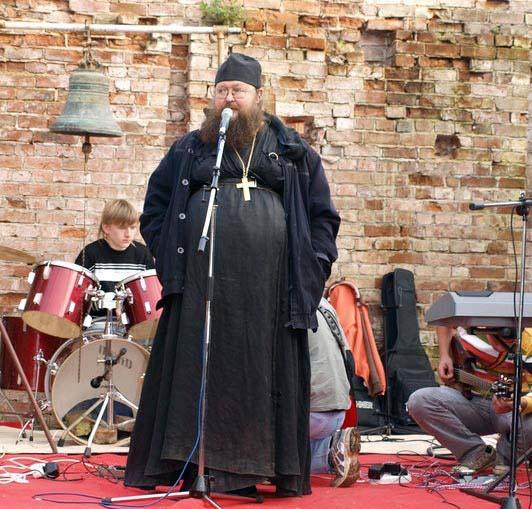 Православные риэлторы: работа по вере или за деньги?