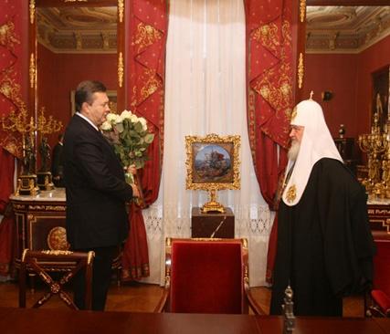 Патриарх Кирилл как медиатор: власть в Украине и РПЦ