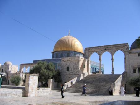 После молитвы на Храмовой горе в Иерусалиме начались беспорядки
