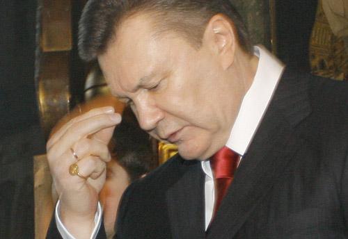 Перстень Януковича як змагання з Шапкою Мономаха