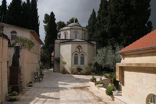 Митрополит объяснялся с Синодом из-за разговорного языка в храме