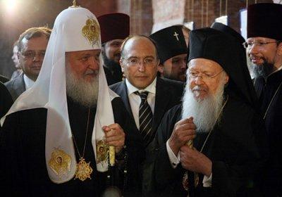УПЦ и полюса патриаршего притяжения