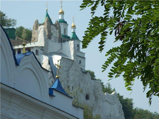 Коллизия одной иконы и двух монастырей
