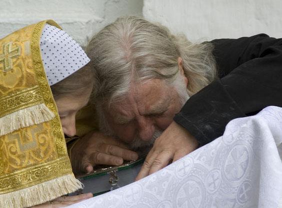Страсти вокруг почаевского духовничества продолжаются