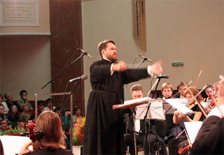 Митрополит Иларион назвал главной задачей своей поездки по Украине проповедь евангельских ценностей средствами музыки