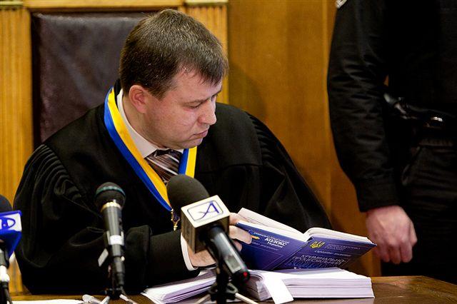 Мать обвиняемых во взрыве запорожского храма обратилась к Президенту за помощью