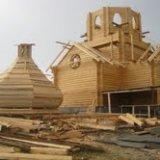 На Кіровоградщині підприємець за давніми технологіями зводить дерев'яну церкву з дзвіницею