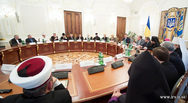 Всеукраїнська рада церков підтримала пропозицію силовиків про сприяння у звільненні заручників