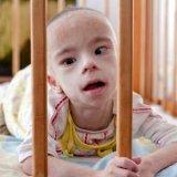 «Особенного» сироту в Запорожье усыновила семья американского пастора. В Украине желающих не нашлось (ВИДЕО)