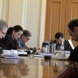 В парламенте Украины депутаты регулярно молятся и читают Библию