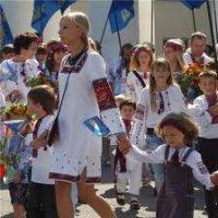 У Києві на День Незалежності пройде «Парад вишиванок 2012»