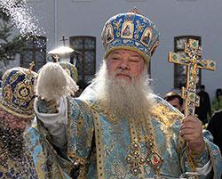 Більше 25% парафій Волинської єпархії УПЦ ведуть богослужіння українською або змішаними мовами
