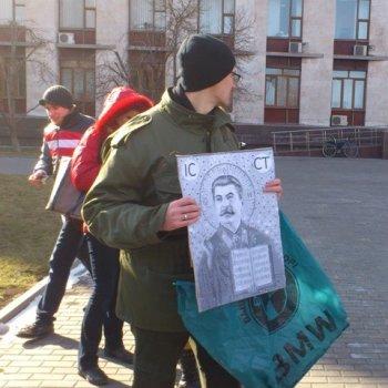 В Донецьку та Луганську написали «ікони» Сталіна і викликали його дух