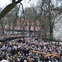 Близько 20 тис. осіб взяли участь у Хресній ході вулицями Львова