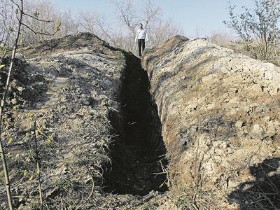 В Донецкой области расхищают знаменитые языческие могильники