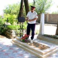Казаки Мелитопольского куреня отреставрировали заброшенную могилу святого Феодосия Станкевича