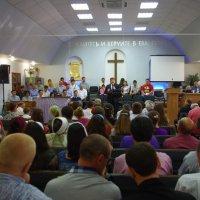 Баптисты Луганска привлекают паству благодаря служению малых групп