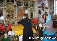 У волинському храмі виставлена ікона, що оновилася у квартирі сільського голови