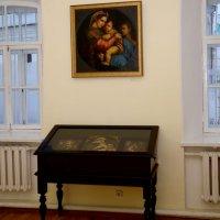 Вперше в Києві демонструються репродукційні твори Рафаеля, що вплинули на український іконопис, зокрема православний чудотворний образ