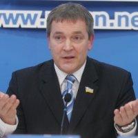 Депутат Вадим Колесниченко безоговорочно поддержал угрозы Минкульта в адрес УГКЦ и призвал отлучать священников, которые выходят на Майдан