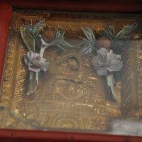 В Рівному у парафіян УПЦ КП оновлюються старовинні ікони