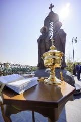 В Киево-Печерской лавре установлен и освящен памятник ее основателям