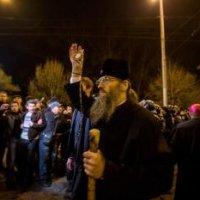 В Запорожье религиозные лидеры не допустили кровопролития между митингующими