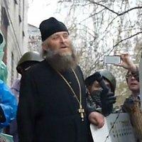 Духовенство Горловской и Славянской епархии УПЦ поддерживает и окормляет местных повстанцев