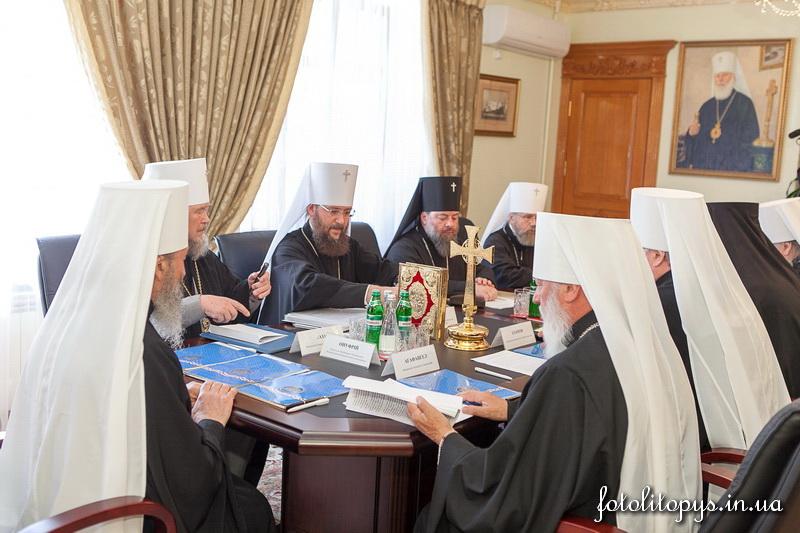 Синод УПЦ позбавив посад прихильників укріплення прав УПЦ