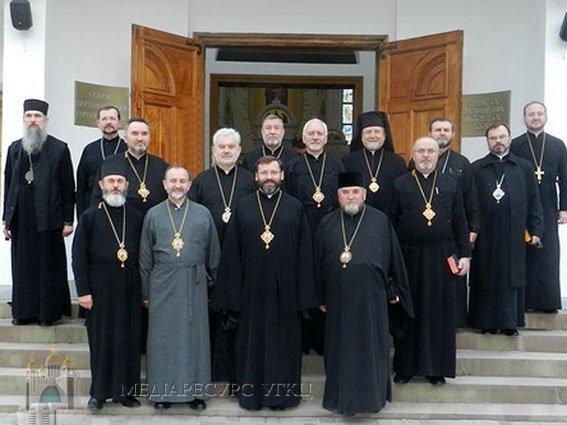 Синод УГКЦ заохочує духовенство всебічно підтримувати Рух анонімних алкоголіків