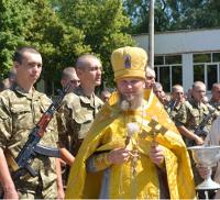 Епархии УПЦ передают бойцам АТО благословения, крестики, ладанки и материальную помощь