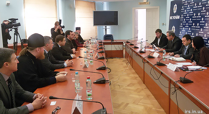 МВС та Рада Церков домовились про тісну взаємодію в питаннях упередження та розкриття злочинів, що мають під собою релігійне підґрунтя
