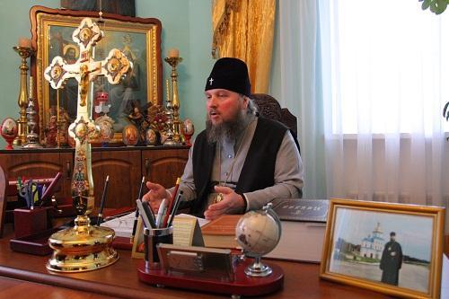 Протест священников: в Уманской епархии УПЦ решается судьба епископа