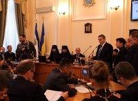 Архієпископ УПЦ КП благословив депутатів Тернопільської міськради