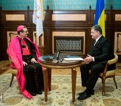 Президент і Апостольський нунцій обговорили питання підготовки візиту в Україну Папи Франциска