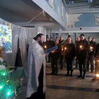 Священик УПЦ освятив місця перебування українських військових у зоні АТО