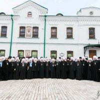 Собор єпископів УПЦ підбадьорив вірян у час «серйозних випробувань»