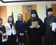 Начальник Одеської митниці передала УПЦ КП старовинну ікону
