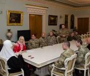 Патріарх Філарет зустрівся з бійцями батальйонів «Айдар» і «Донбас» та нагородив медиків-волонтерів